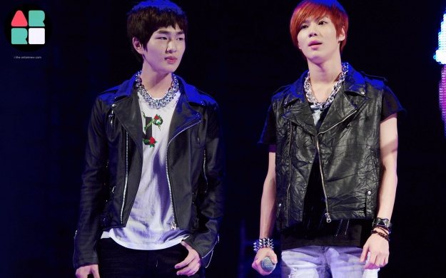 shinee-performance-videos-and-pictures-at-kangnam-university_image