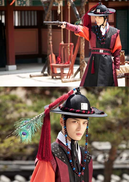 "JYJ Jaejoong Turns into a Chosun Era Sergeant in MBC ""Time Slip Dr. Jin"""