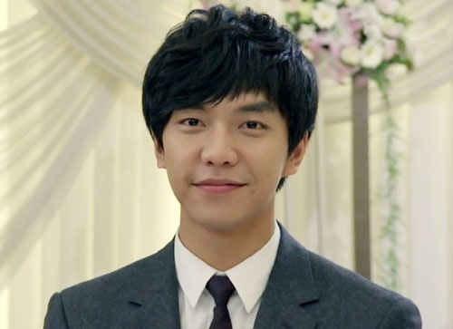 Lee Seung Gi Graces the Cover of Japanese Hallyu Magazine