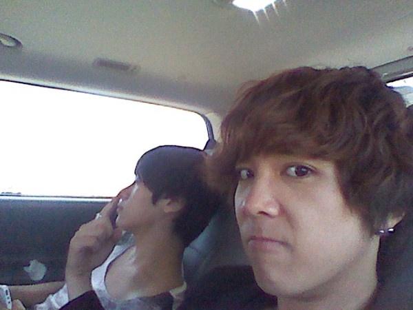 lee-hongki-picks-min-hwans-nose_image