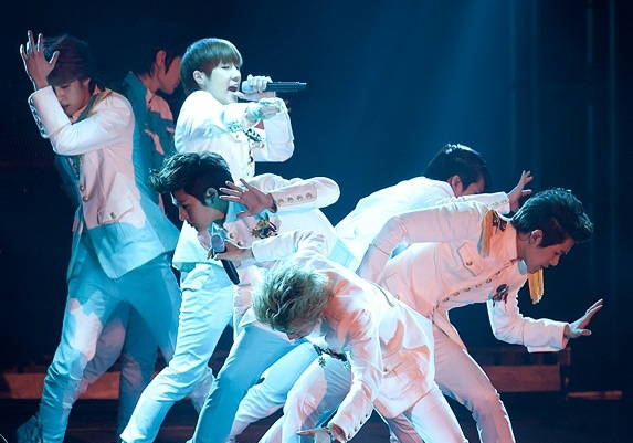 "Infinite Shares Full Video of Encore Concert ""Second Invasion – Evolution"""