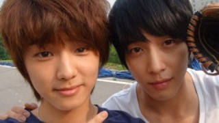 cnblue-kang-min-hyuk-expresses-his-gratitude-towards-jung-yong-hwa_image