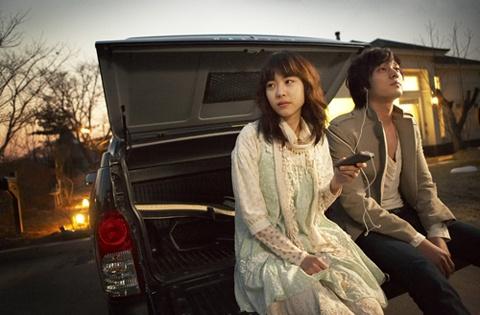 lee-yeon-hee-reunites-with-so-ji-sub-in-upcoming-sbs-drama_image