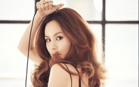 ivy-releases-comeback-mv-torn-heart_image