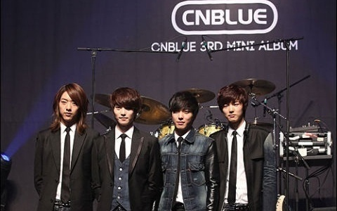 cnblue-performs-still-in-love-hey-you-for-inkigayo-comeback_image