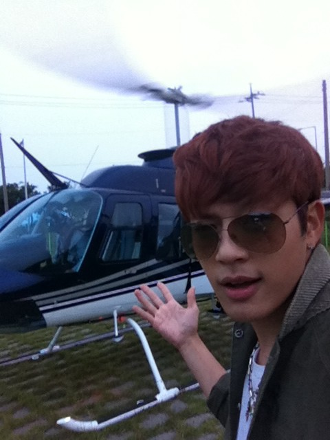 Se7en Travels Around in a Helicopter