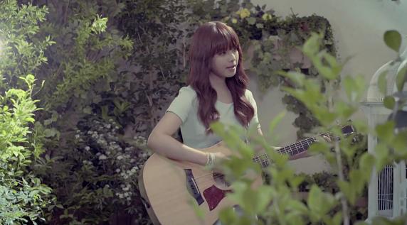 """Juniel Releases Solo Debut Music Video  """"Illa Illa"""""""