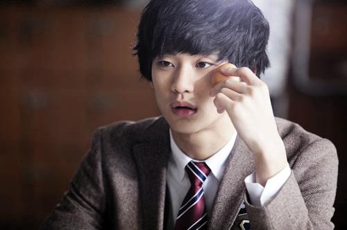 Kim-Soo-Hyun-kim-soohyun-19974735-500-332