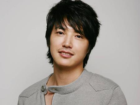 Yoon Sang Hyun As Japanese Hallyu Shopping Mall Model
