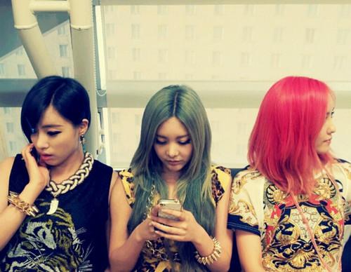 """T-ara Members Sport """"Traffic Light"""" Hair"""