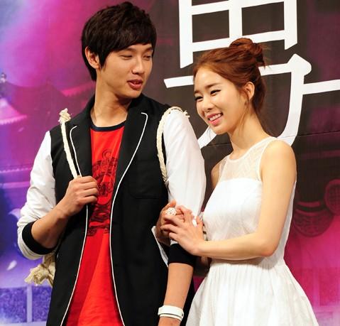 "Yoo In Na calls Ji Hyun Woo ""Yoo In Na's Man"""