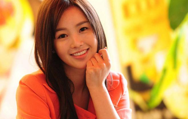 "Nam Gyuri Is a Stunning Bride for ""Haeundae Lovers"""