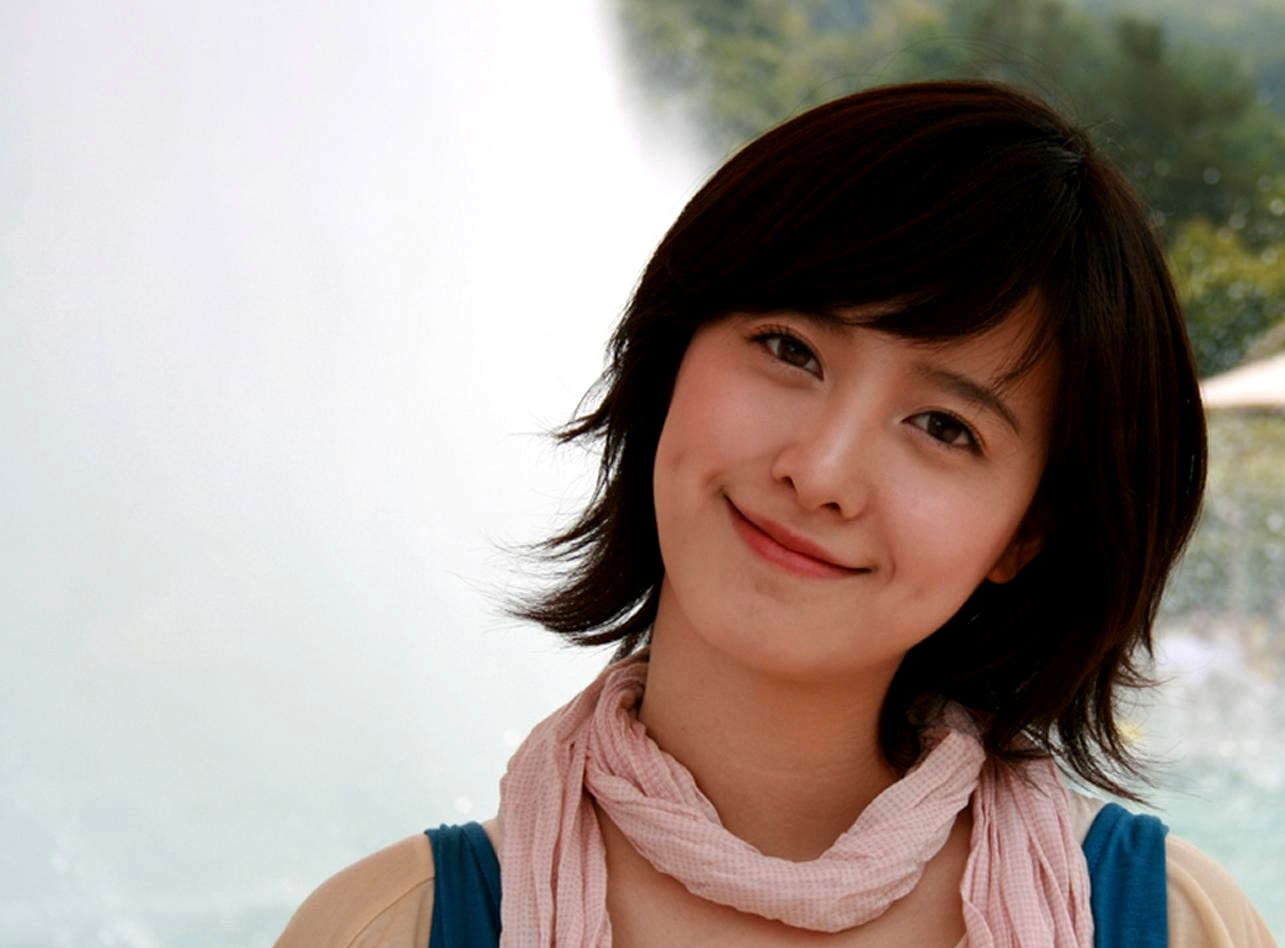 Goo Hye Sun Voted Best Female Artist in the Entertainment Industry