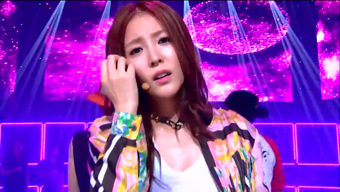 "BoA Performs ""Only One"" Feat. Eunhyuk on Inkigayo"