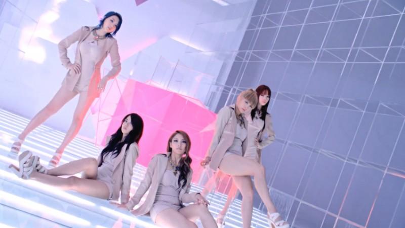 "KARA Releases Comeback MV ""Pandora"""