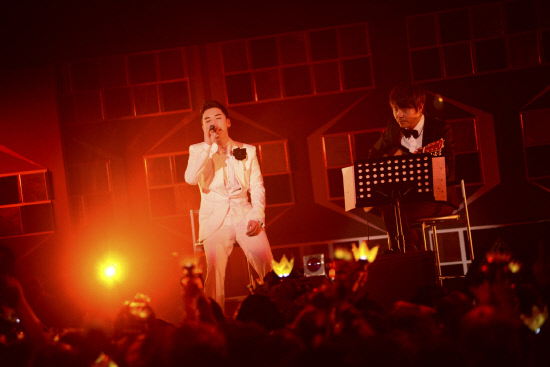 Big Bang's Seungri Successfully Orchestrates His Own Fanmeeting