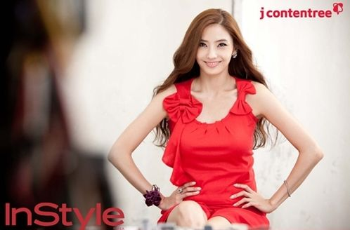"Han Chae Young Is a Glamorous Goddess In ""InStyle"""