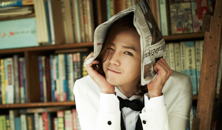 Jang Geun Suk Updates Fans from Busan with Numerous Photos