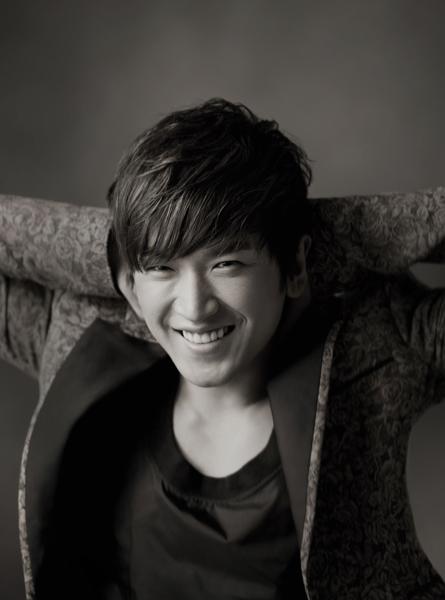 Shinhwa's Lee Minwoo Chosen As Judge for China's Survival Program