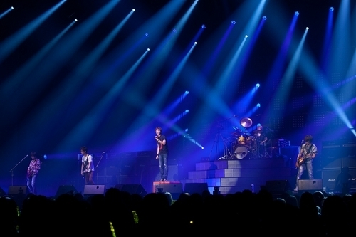 FT Island Reveals Comeback Song at Their Concert
