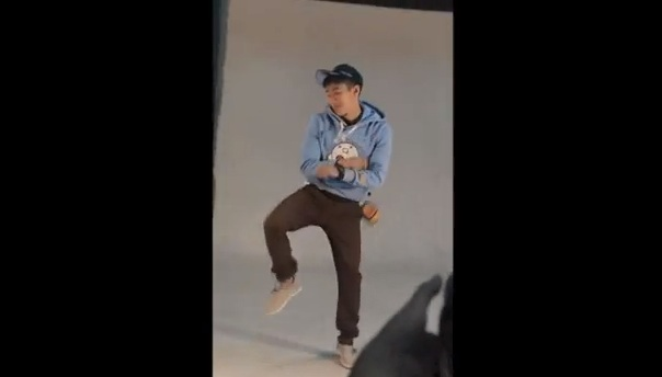 "Jay Park Goes ""Gangnam Style"" on Set of New CF!"