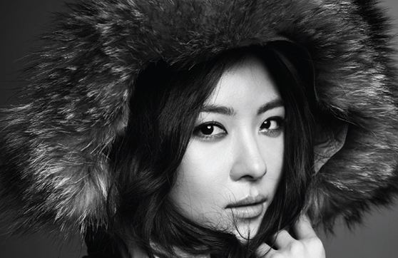 Ha Ji Won Shows Multiple Charms for Fashion Brand Crocodile Lady