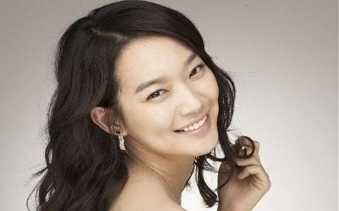 Shin Min Ah Talks About Lee Jun Ki and Lee Seung Gi