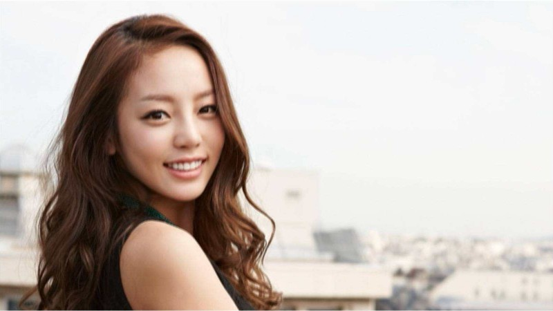 """KARA's Goo Hara Is on The Cover Of """"Dazed & Confused"""""""