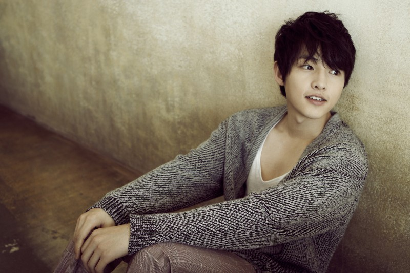 "Song Joong Ki: ""I Dated 4 Times, None With Celebs"""
