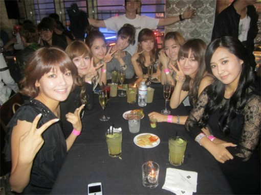 Girls' Generation night out but no seohyun