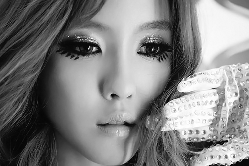 T-ARA's Hyomin Poses in a Sexy and Dreamy Way