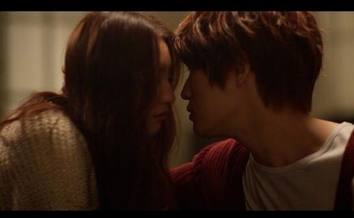 Kim Jae Joong and Kim Ji Won in MV1