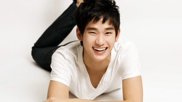 Kim Soo Hyun Is A Hungry Customer For Tous Les Jours