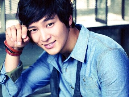 Joo Won's Soccer Team Photo Revealed