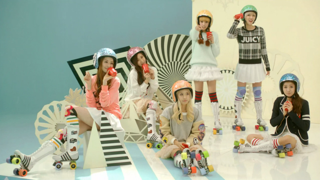 "Hello Venus Releases Comeback MV for ""What Are You Doing Today?"""