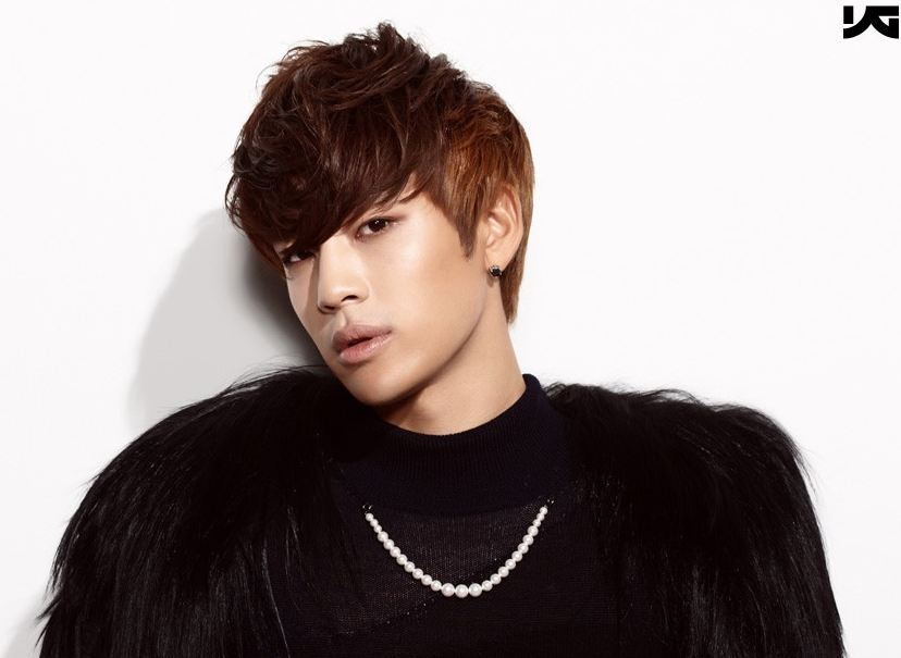 Se7en Takes Adorable Pictures with Niece