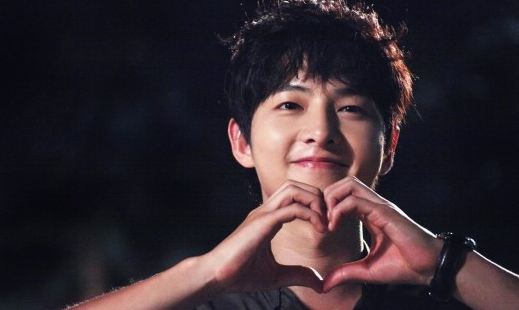 "Song Joong Ki Regrets Not Becoming a ""Campus Couple"""