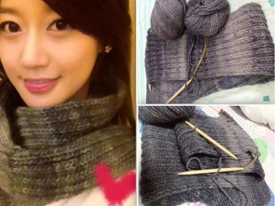 Rainbow's Oh Seung Ah Shows Off Her Knitting Skill