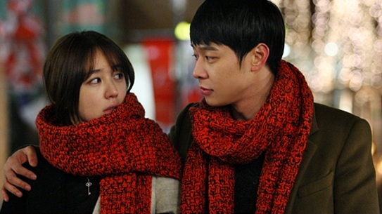 Park Yoo Chun and Yoon Eun Hye in Couple Scarfs!