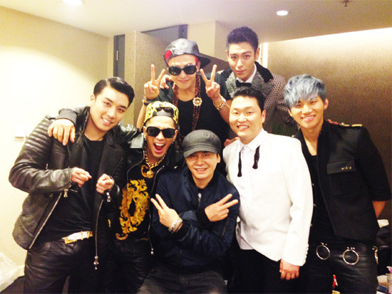 Yang Hyun Suk, Big Bang, and PSY Take Group Photo