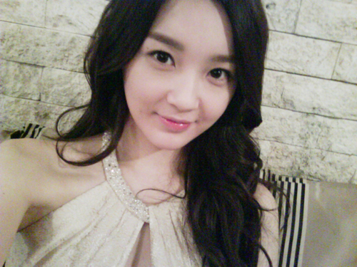 Davichi's Kang Min Kyung Looks Like a Doll in Real Life