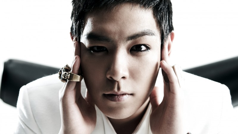 T.O.P Allows Fan to Touch His Face