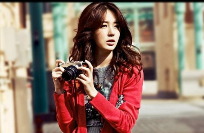"Yoon Eun Hye's Outfits and Accessories from ""I Miss You"" Are Selling Like Hotcakes"
