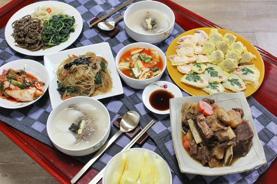 Traditional Korean Food New Year