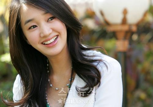 Soo Ae Reveals She Gets 6 Hours of Sleep a Week Due to Filming