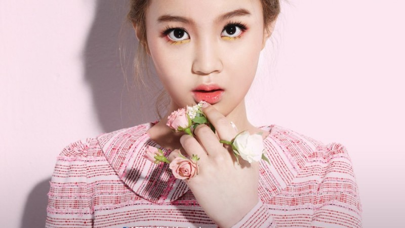 "Lee Hi Releases MV for ""Rose"" and Album ""First Love"""
