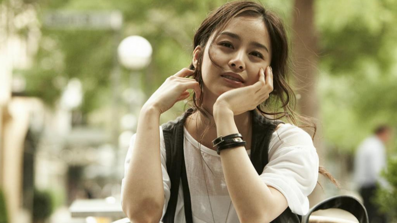 Kim Tae Hee Looks Gorgeous in Latest CF