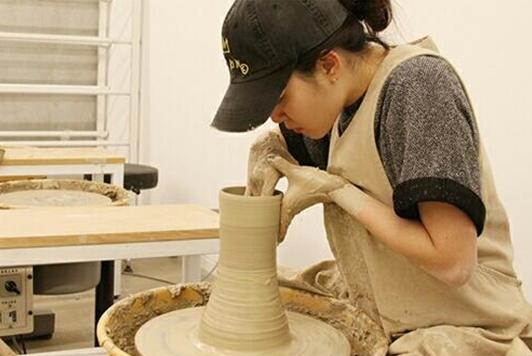 Moon Geun Young potter