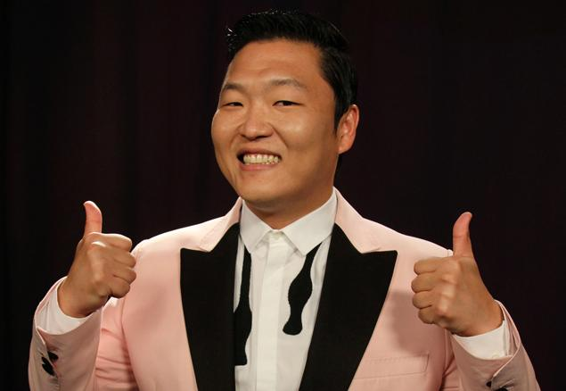 PSY thumbs up