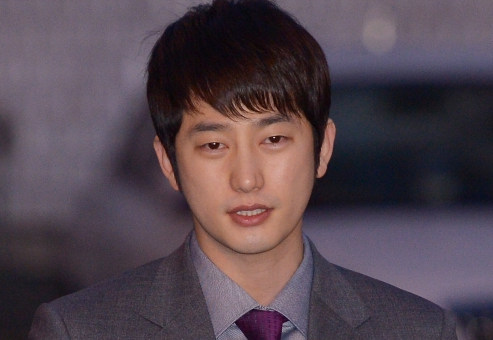 "Park Shi Hoo Taken Off ""Baeksang Awards"" Nominee List"